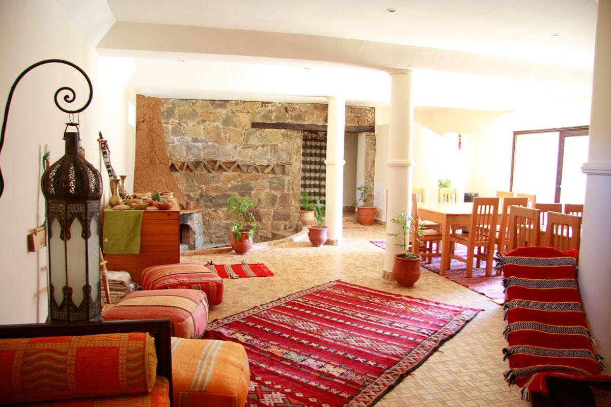 Salle de bain turquoise et beige - Salon berbere moderne ...