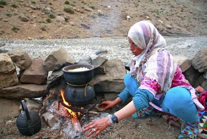 femme nomade ait atta